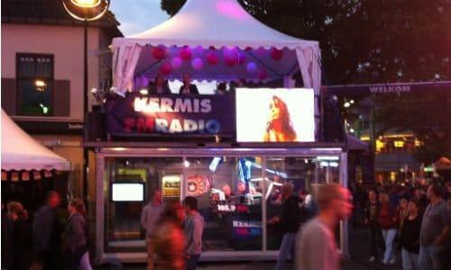 De studio van Kermis FM in Tilburg
