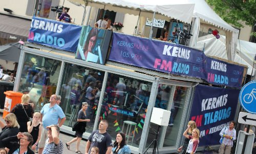 Studio van Kermis FM op het Piusplein