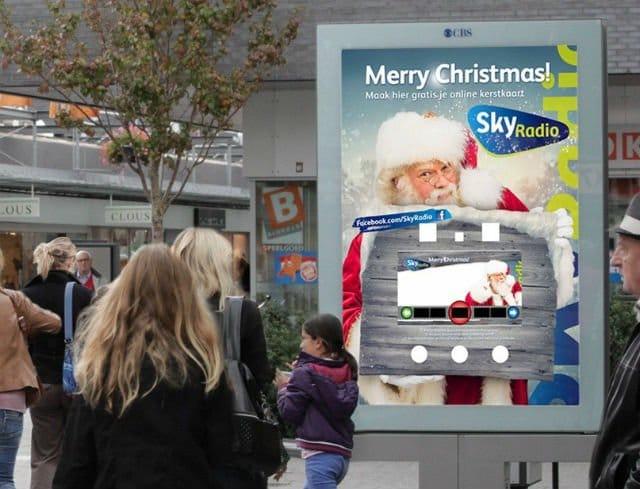 Sky Radio maakt kerstfoto met abri's